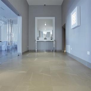 Floor: Grigio Classico Honed