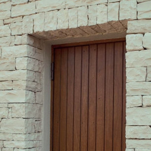 Door Surround: Cava Lite Listello Tango