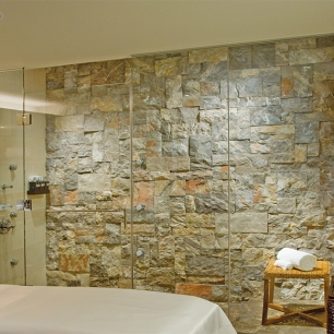 WALL COVERING: AMBRATO ROCK FACE