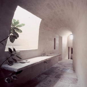Internal Floor Tiles: Genius Egnatia / Washbasin Top: Egnatia