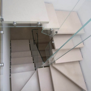 Steps: Trani Classico Carteggiato (honeycomb structure covered with 5 mm stone)