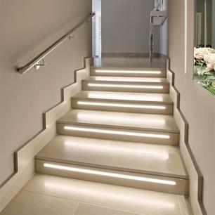 Steps: Grigio Classico Silk
