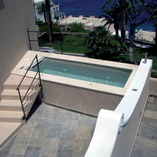 External Floor Tiles: Ambrato Chianca / Pool Coping: Tango Silk